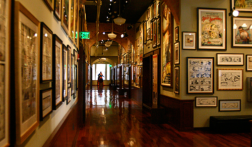geppi_hallway