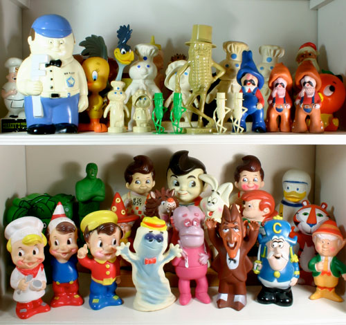 advertising icons - vinyl toys and banks from the 1970's