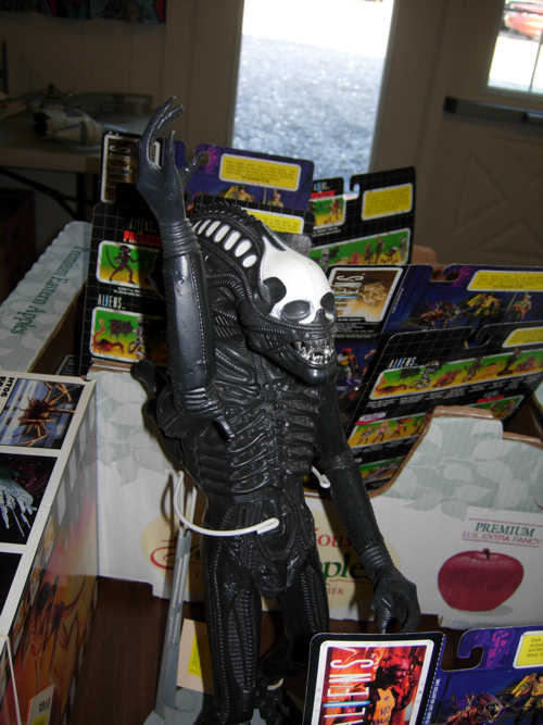 vintage kenner aliens action figure that was recalled