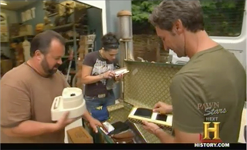 american pickers opening the Italian trunk