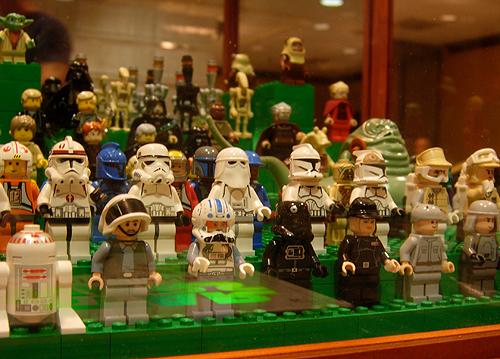 comic show lego minifigs