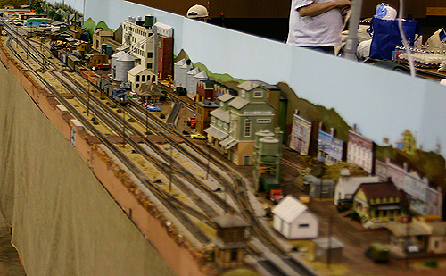 greenberg train and toy show - n-scale track layout