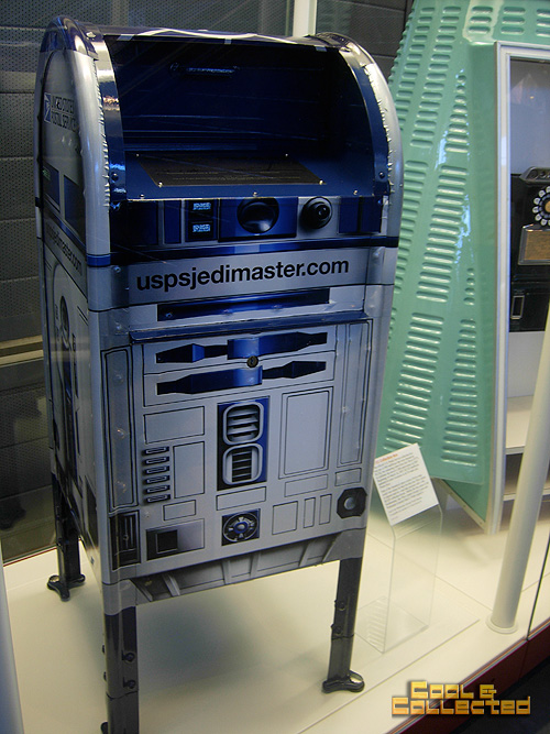 Smithsonian air and space museum - r2d2 mailbox