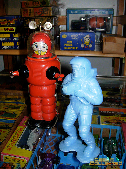 Vintage Spaceman and robot toys