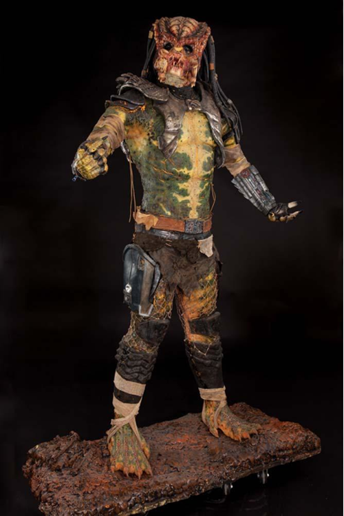 Predator 2 full costume movie prop
