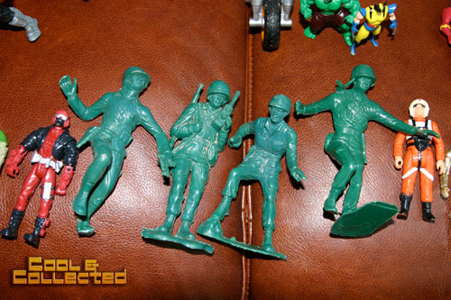 yard sale army men toys