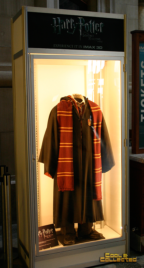 Smithsonian Harry Potter prop robe worn by Daniel Radcliffe
