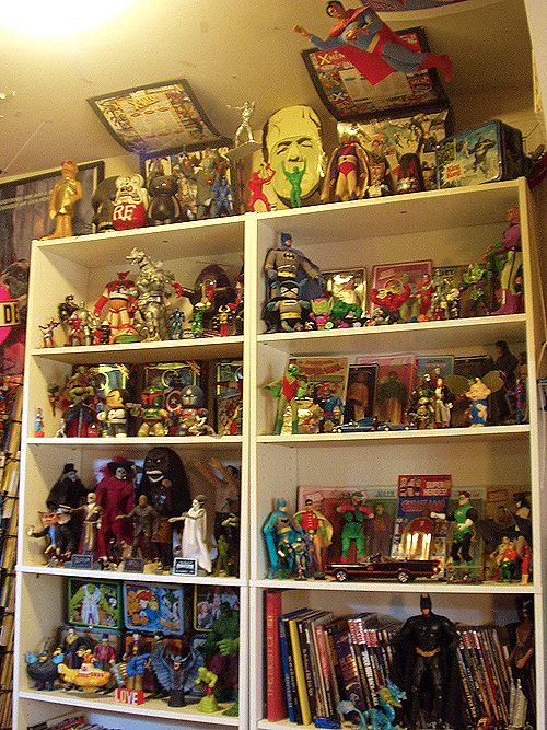 dan bru collection of vintage toys and comic books