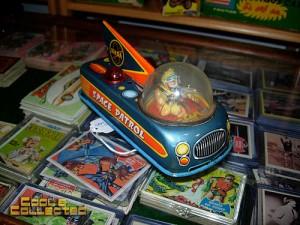 DC Big Flea - vintage space patrol tin toy windup