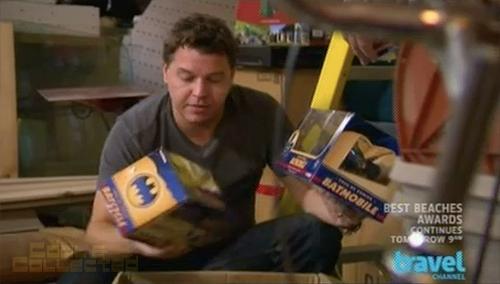 Toy Hunters - Jordan Hembroug finds Batman Batmobile toys from Corgi