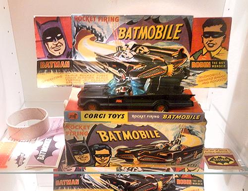 collier-matte-black-batmobile
